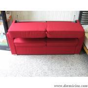 divano in fase di apertura