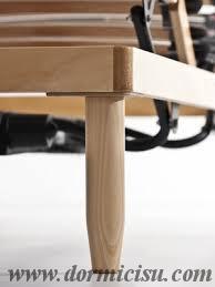 gamba tutto legno a sezione conica.