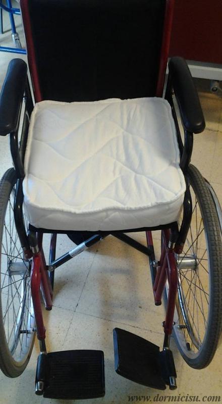Cuscino in memory per sedia a rotelle for Sedia a rotelle per gatti