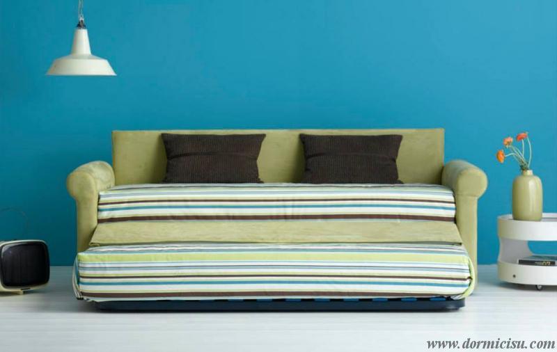 divano classico con letto estraibile