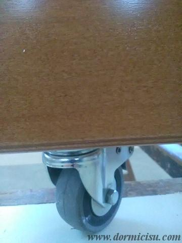 dettaglio rotelle rinforzate.Accessorio con sovrapprezzo.