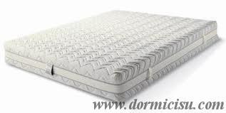foto del materasso matrimoniale rivestito con cover sfoderabile in cotone.