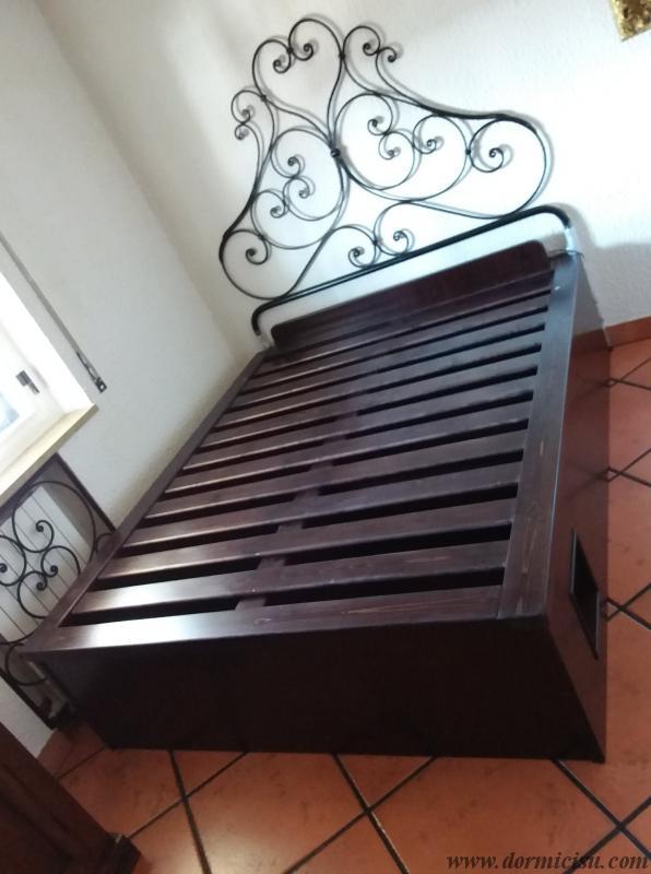 panoramica del letto colore wenge