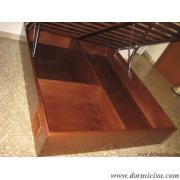 panoramica interna del letto contenitore con divisorio per cuccia animale domestico.