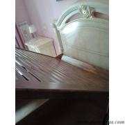 letto inserito all'interno del letto ornamentale del cliente e rete aperta.