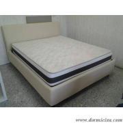 panoramica del letto con materasso in posizione di sonno