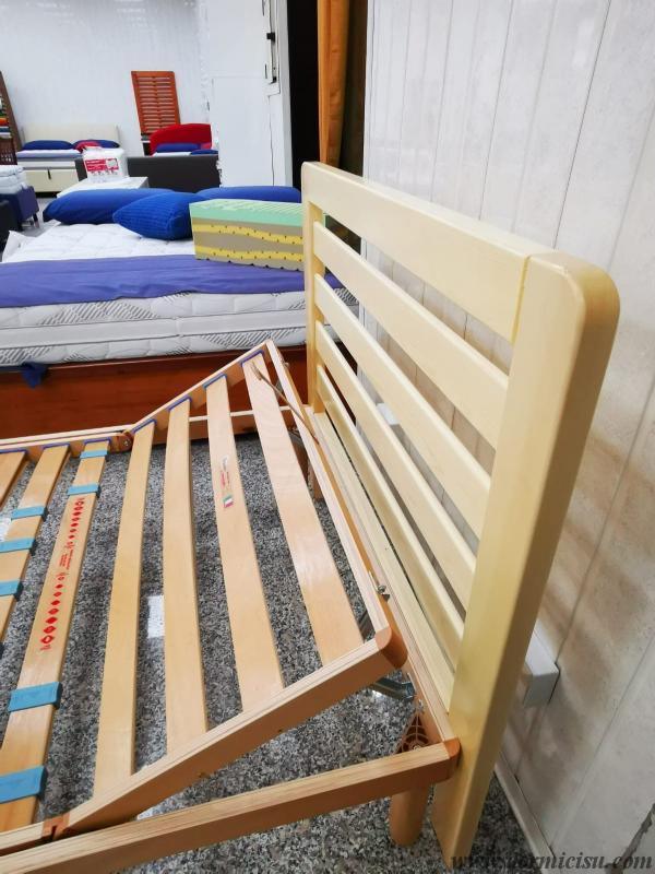 dettaglio testa in legno massello