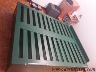 letto con colore RAL verde pino su ordinazione