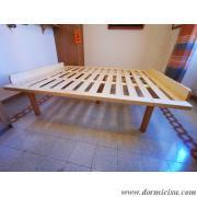 rete con doppio ferma materasso in legno dimensioni:larghezza 135 cm altezza 14 cm(matrimoniale)