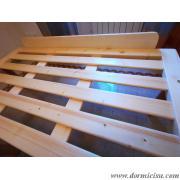 dettaglio ferma materasso in legno dimensioni:larghezza 135 cm altezza 14 cm(matrimoniale)